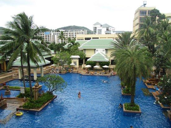 Holiday Inn Resort Phuket : Pool at Busakorn Wing
