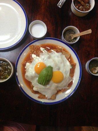 La Cueva del Chango: Chilaquiles con huevo, simplemete deliciosos!