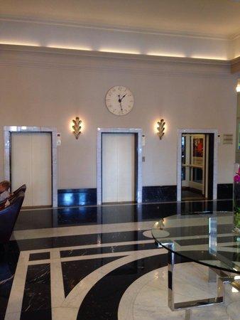 Angleterre Hotel: Ascensori hall. Zlatan2005. Lug. 2014