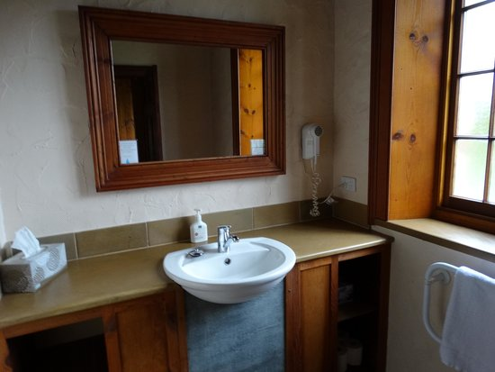 بلاكوود بارك كوتيدجيز: Ensuite Bathroom - Heritage Cottage