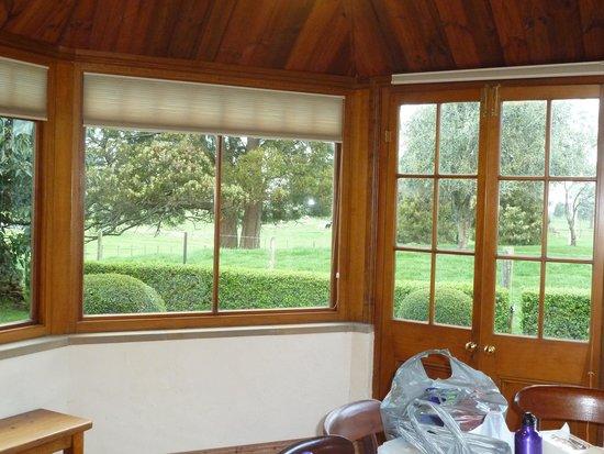 بلاكوود بارك كوتيدجيز: View from dining area - Heritage Cottage