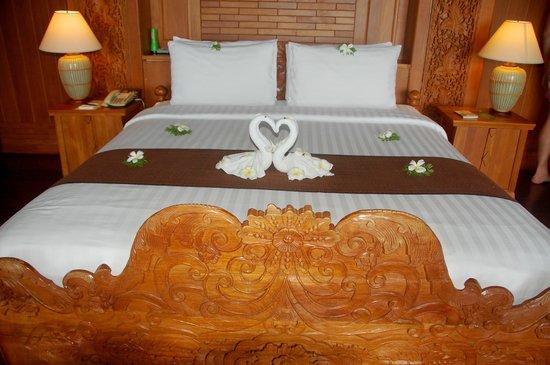 Panviman Resort - Koh Pha Ngan: Bettdekoration
