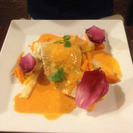 Aux Bons Amis: Filetto di Razza con verdure (piatto principale del menu 22 euro)