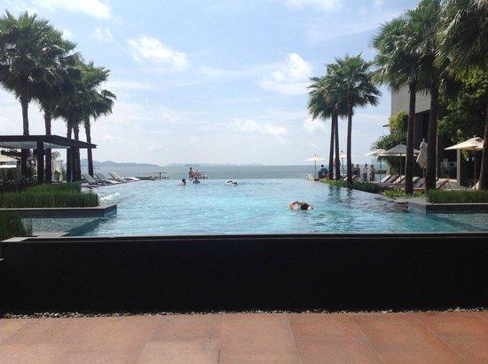 Cape Dara Resort : Бассейн
