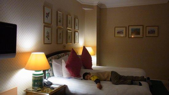 Britannia Manchester Hotel: 割ときれいな部屋