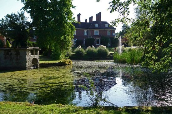Mercure Shrewsbury Albrighton Hall Hotel and Spa: Grounds