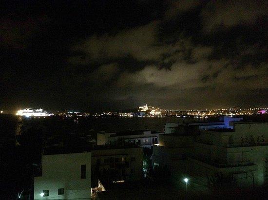 Hotel Victoria: Night view