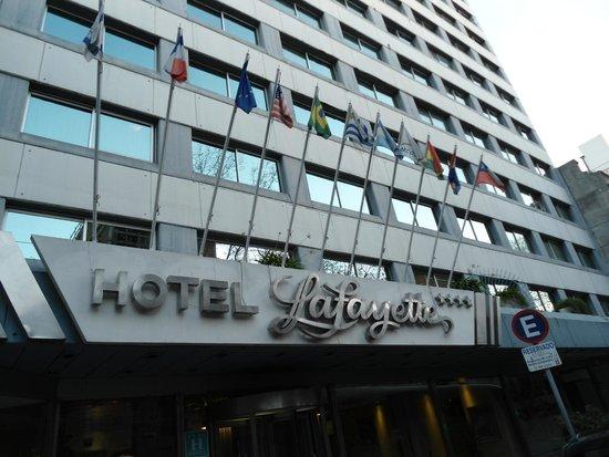 Hotel Lafayette: Vista da faixada do hotel
