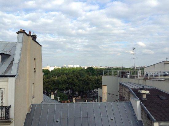 Mercure Paris Gare Montparnasse : Vista para o cemitério