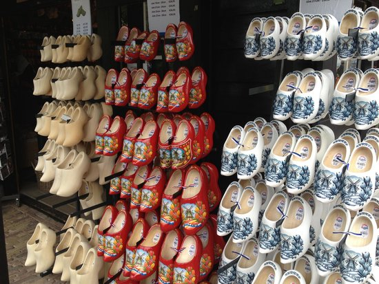 Holiday Inn Express Amsterdam-Schiphol: Clogs