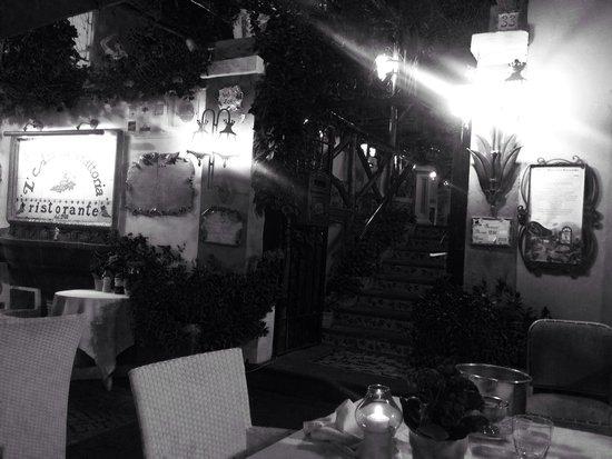 L'Antica Trattoria: Table in the terrace