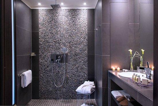 Hotel Ermitage - Evian Resort : Salle de bains Hôtel Ermitage