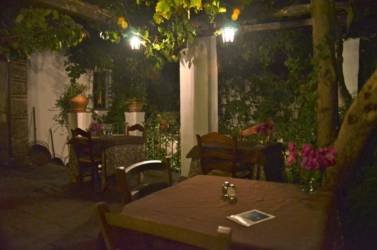 La Fructuosa: The terrace/patio area where we dined.
