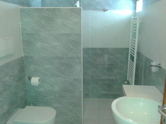 Hotel Club Koinè: interno bagno camera