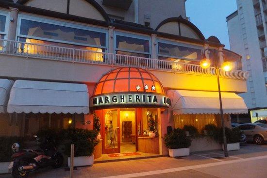 Hotel Margherita: Hotel entrance