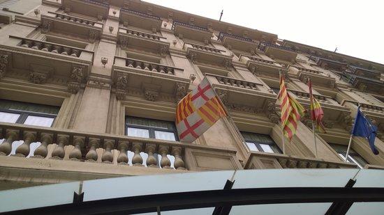 Hotel Roger De Lluria Barcelona: Hotel facade
