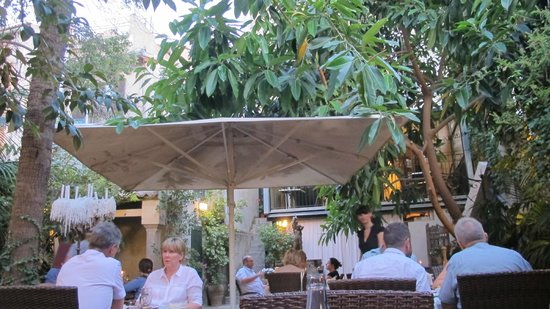 La Vila Restaurant: Gardenview