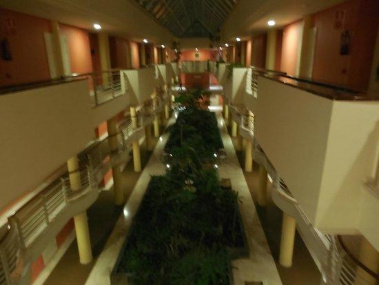 Barcelo Corralejo Bay: Inside the hotel