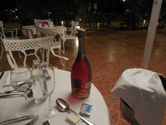 Barcelo Corralejo Bay: Try the Wine