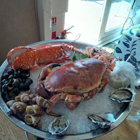 Crab Shack on the beach: Lobster and crab lunch