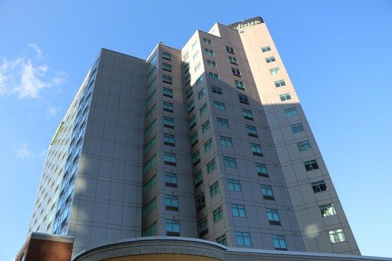 Radisson Hotel & Suites Fallsview: Vista desde fuera