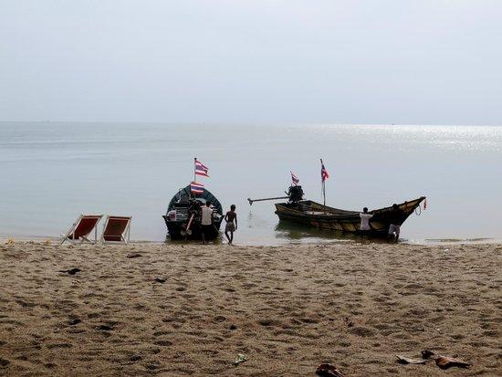 Mai Pen Rai Bungalows : Strand am frühen Morgen