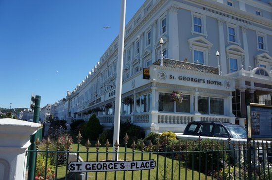 St. George's Hotel: Hotel frontage