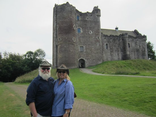 """The Hairy Coo - Free Scottish Highlands Tour : THE castle from """"Monty Python and the Holy Grail""""!!!  Awesome!"""