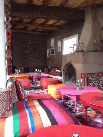 Douar Samra : The lounge/dining room