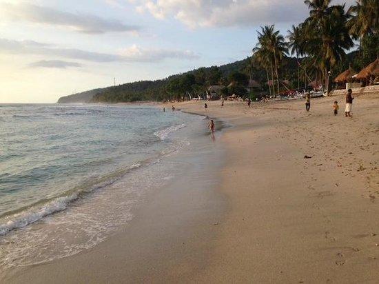 Warung Paradiso : Mangsit Beach