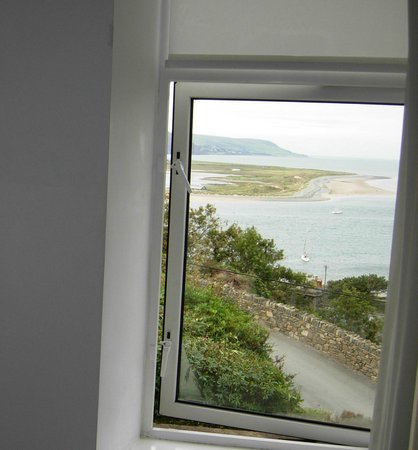 Bae Abermaw: bedroom window view