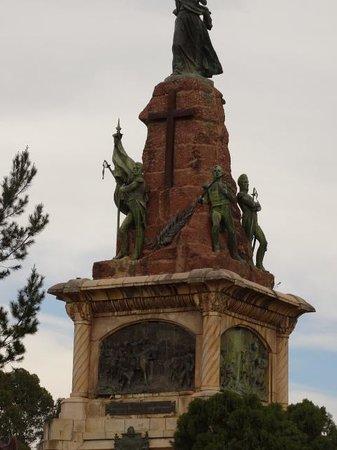 Detalle Monumento 20 de Febrero