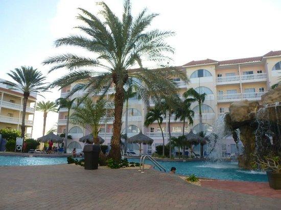 Tropicana Aruba Resort & Casino : Vista desde la piscina a la habitacion