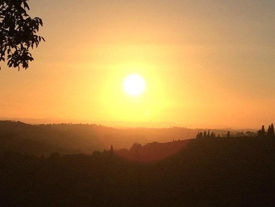 Osteria di Casa Chianti: Beautiful sunset seen from the terrace
