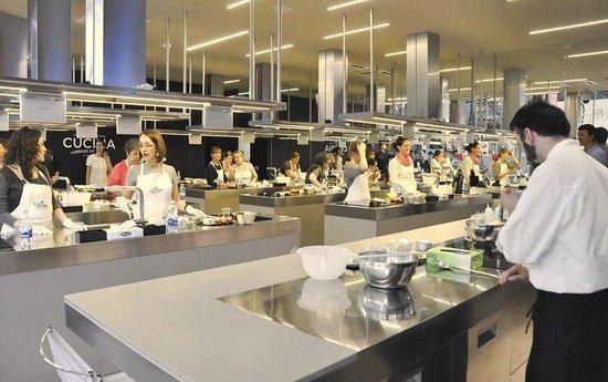 CUCINA Lorenzo de' Medici-Cooking School: 2