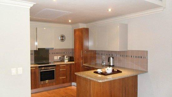 The Cape Royale : Kitchen area
