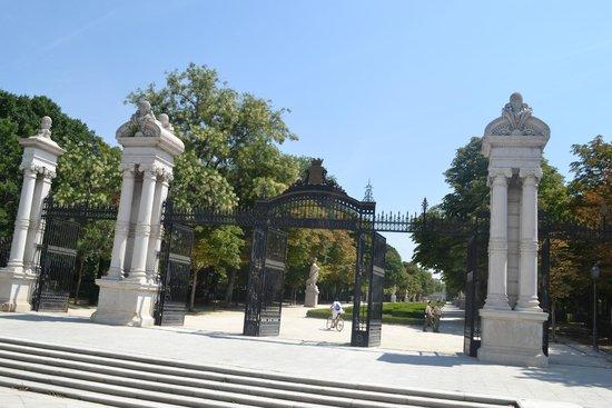Parque del Retiro: une des entrées du parc