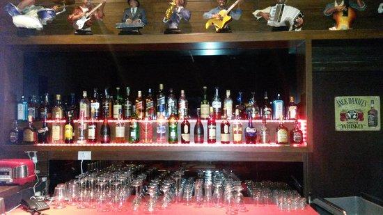 Rock Manali Hotel & Spa : The Bar