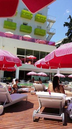 Semiramis: Dettaglio piscina