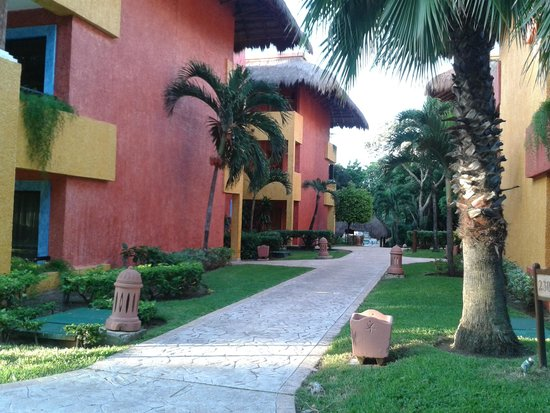 Iberostar Tucan Hotel: pasillos laterales