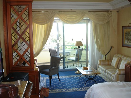 Rome Cavalieri, Waldorf Astoria Hotels & Resorts : room
