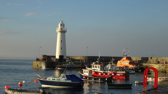 Pier 36 Guesthouse: Donaghadee Lighthouse
