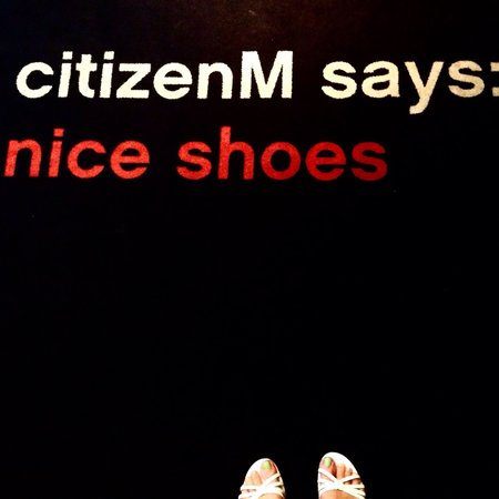 citizenM Amsterdam: Nice Shoes says CitizenM in the lobby :D