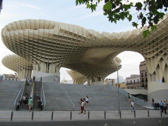 Metropol Parasol: Desde la Plaza de la Encarnación