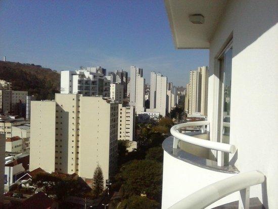 Victory Suites : vista do apartamento - varanda