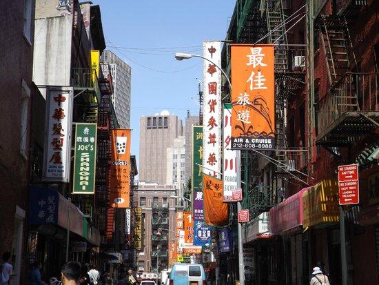 Chinatown: pell street