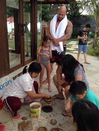 Sudamala Suites & Villas Senggigi: Clay making lesson