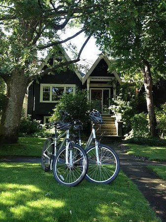 House On Dunbar B&B: Rent Bikes!