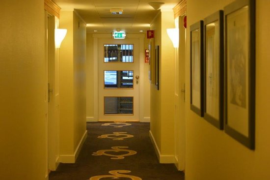 Clarion Collection Hotel Hammer: corridors to you room, recent refurbed