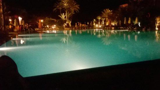 LABRANDA Targa Club Aquapark: pool at night